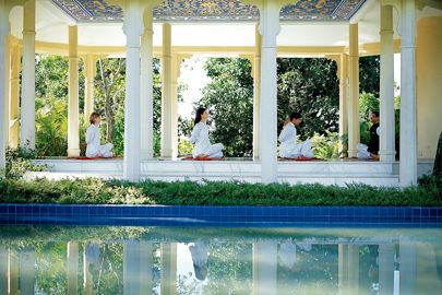 india yoga retreat ananda